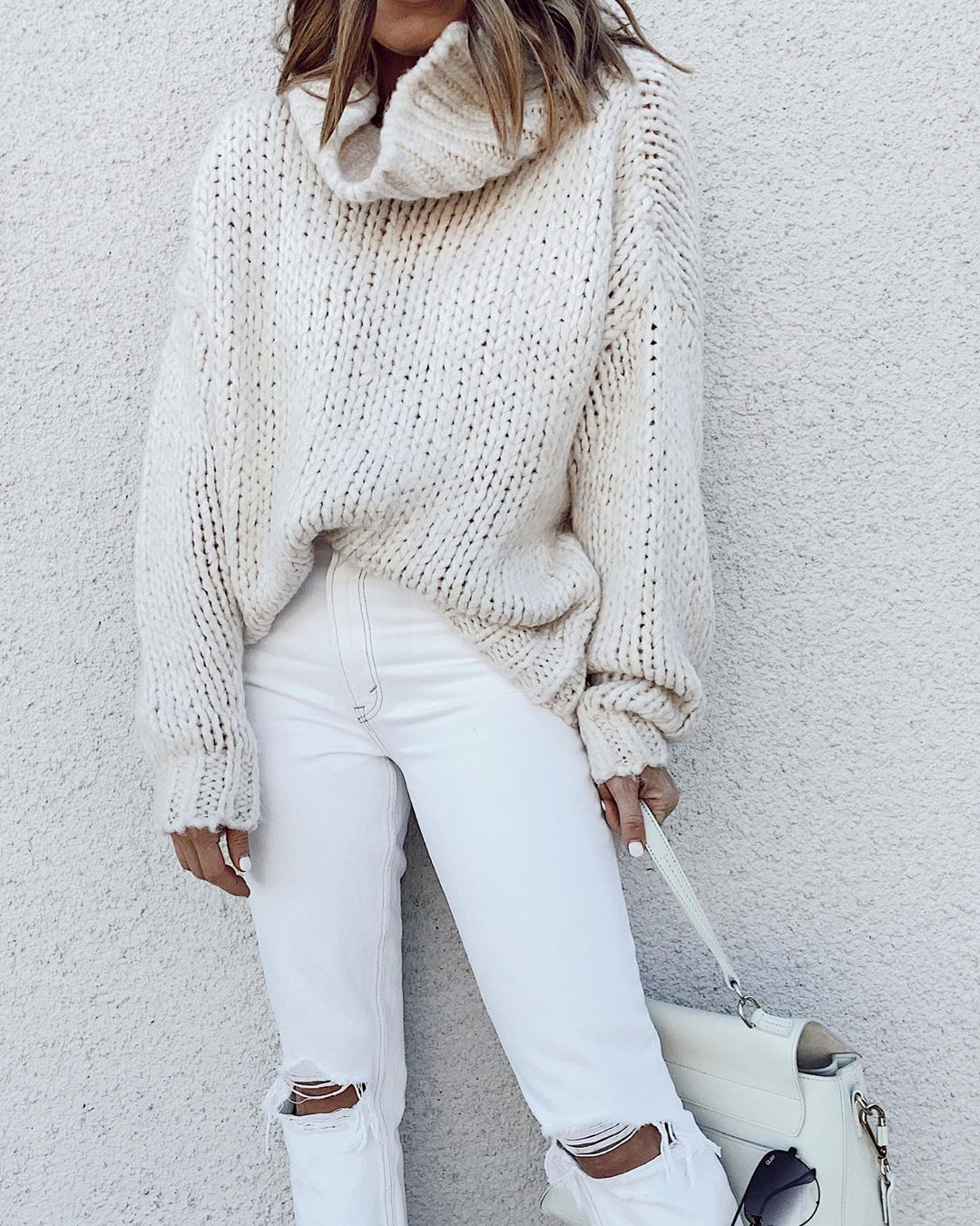 All the White Pieces You Need to Create a Perfect Winter Outfit