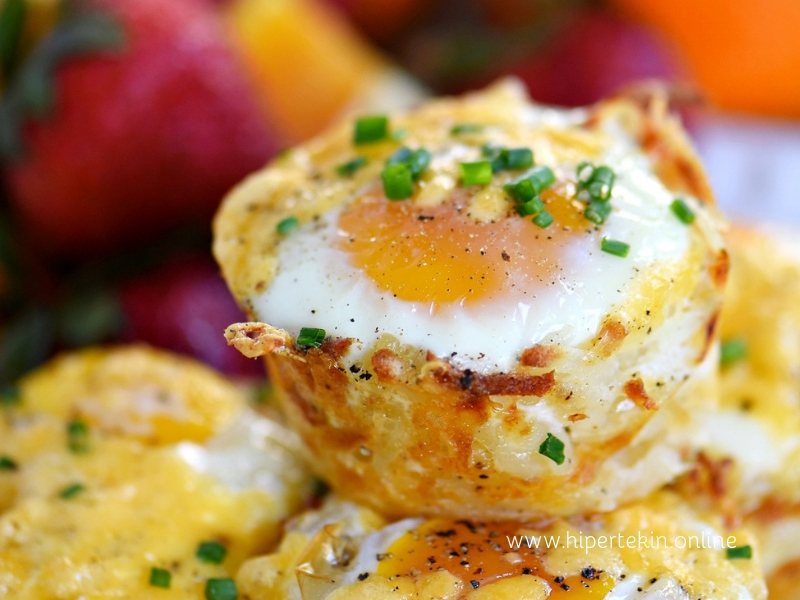 SAUSAGE EGG HASH BROWN CUPS