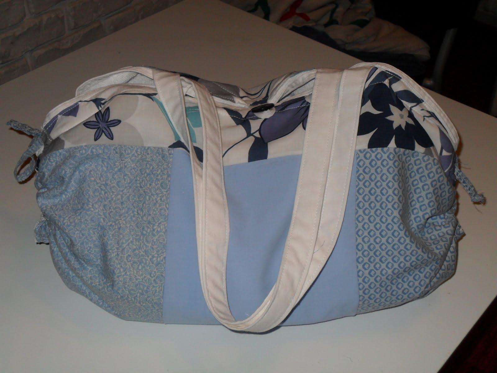 couleurs de bahia la boutique sac qui se transforme en serviette de plage quelle merveille. Black Bedroom Furniture Sets. Home Design Ideas