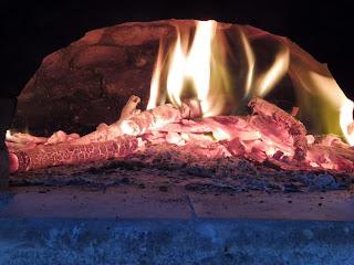 Combustion complète dans un four à pain en briques