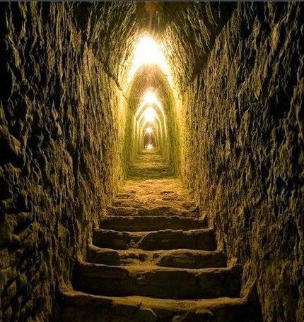 Pane quotidiano sforzatevi di entrare per la porta stretta - Entrare in una porta ...