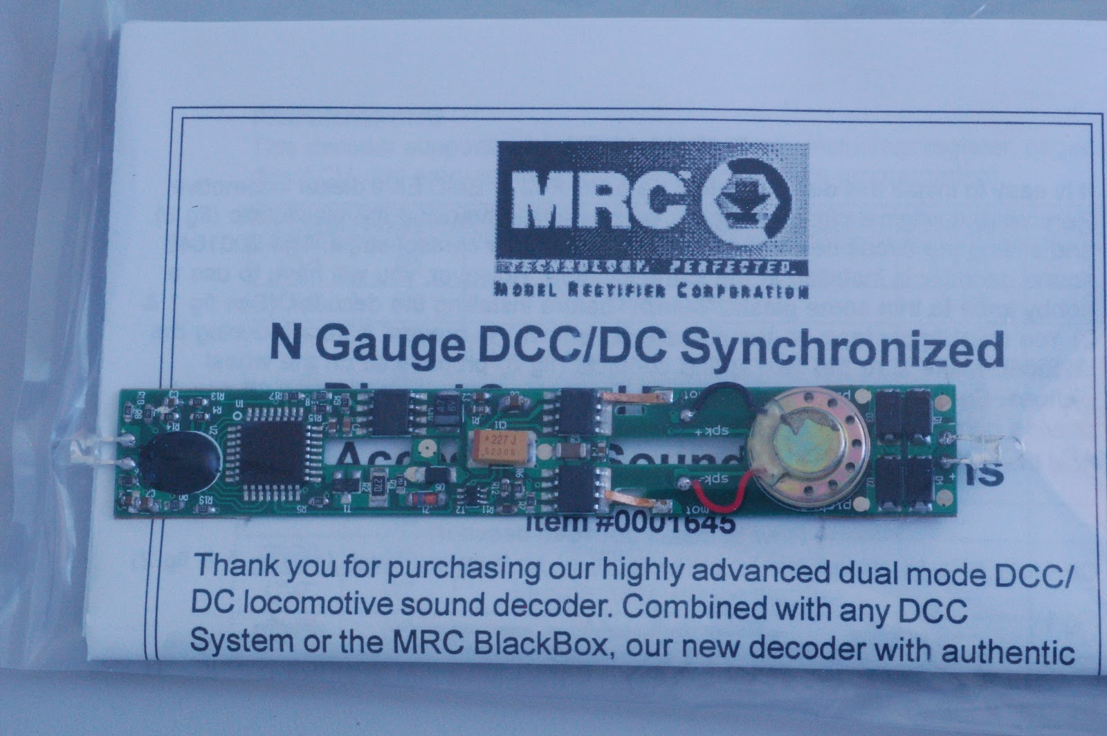 The New Jjje Mrc Sound Decoder 1645 Installation In A Kato E 8 True Track Dcc Crossover Wiring Photo 3 Has Speaker Mounted On Top Of