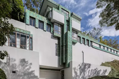 Lloyd Wright's Mayan-Deco Novarro House