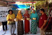 Ramah Lingkungan, DSM Salurkan Daging Qurban dengan Besek Bambu