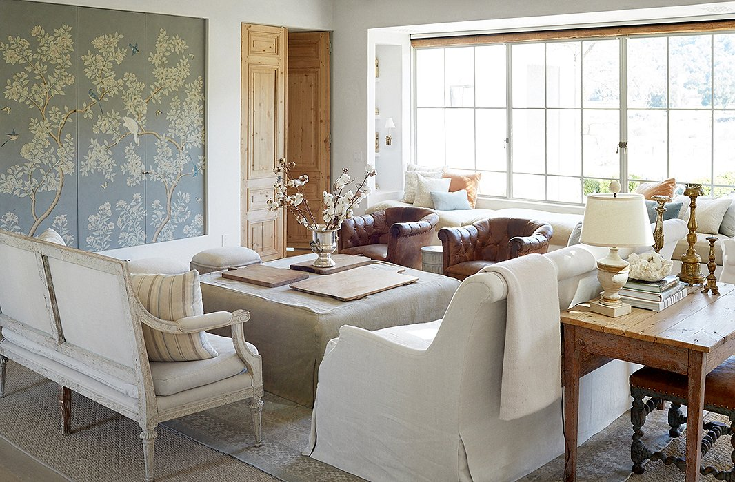 Decorating ideas for a modern farmhouse living room for Farmhouse furniture ideas