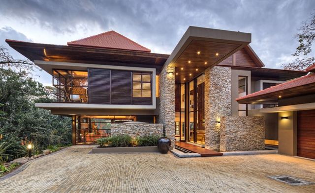 Front side and entrance into Contemporary South African SGNW House by Metropole Architects