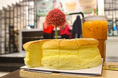 Makana Khas Makassar Yang Paling Populer