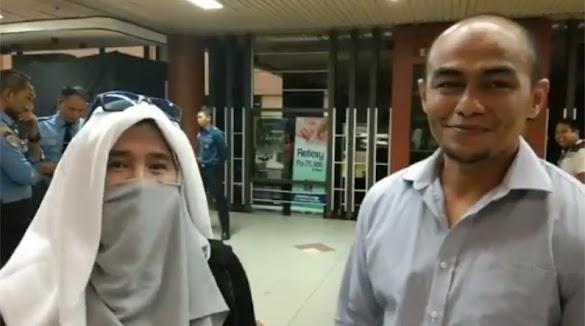 Dihadang di Batam, Ahli Beladiri Hendri Koto Siap Jamin Keamanan Neno Warisman