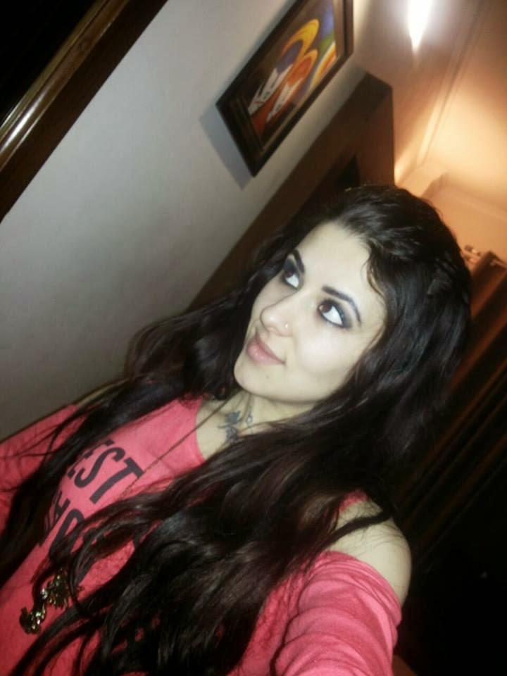 Independent female escort delhi
