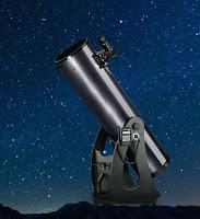 Gece gökyüzüne çevrilmiş bir teleskop