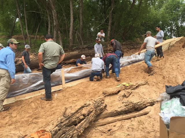 Ancient Indian canoe unearthed in North Louisiana
