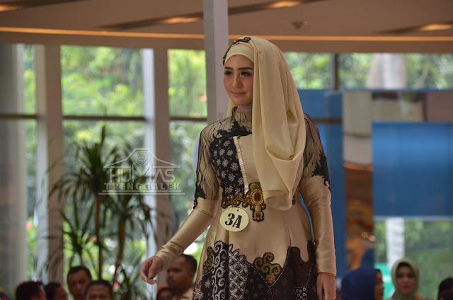 Batik Trenggalek Tampil Memukau Pada Fashion Show Gelar Kriya Dekranasda Jawa Timur 2018