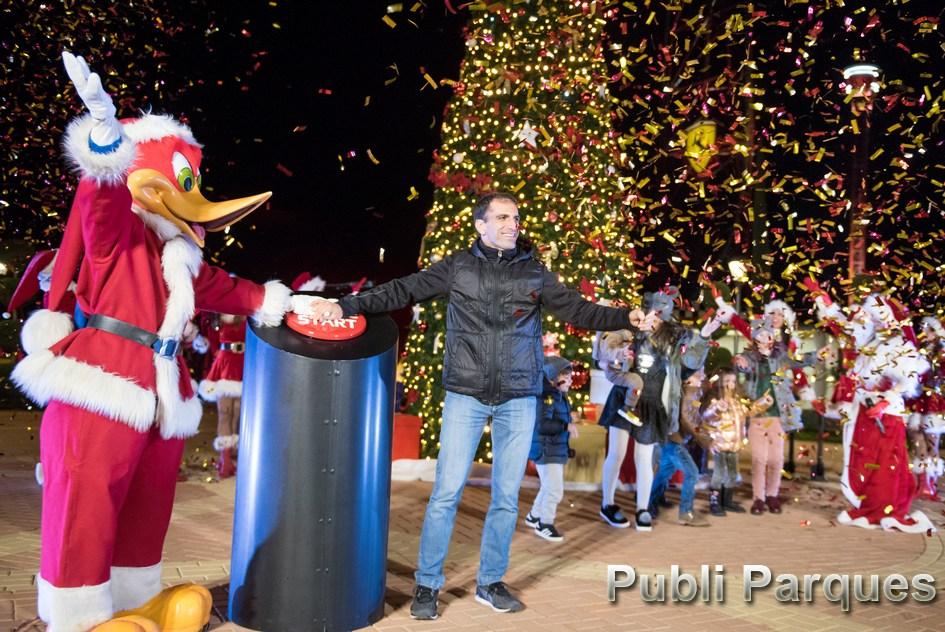Encendido Árbol de Navidad Ferrari Land con Marc Gene
