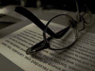 Hukum, Hadist dan Keutamaan Menuntutu Ilmu