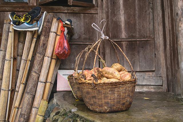 Paniers remplis de pommes de terre à Ping'an