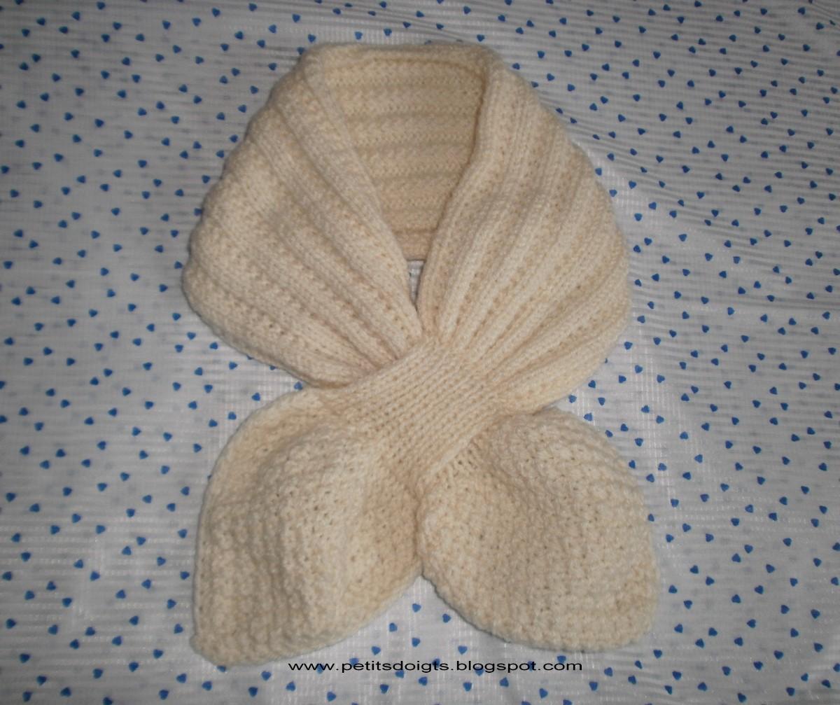 004fcc9596af modele tricot echarpe feuille
