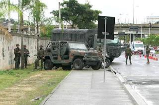 http://vnoticia.com.br/noticia/1879-operacao-conjunta-em-favelas-do-rio-deixa-21-mil-criancas-sem-aula