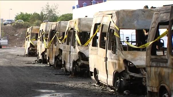 Por qué se incendiaron 8 ambulancias en Telde Gran Canaria