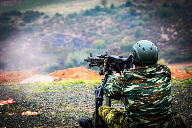 Εθνοφύλακες: Εντυπωσιακές βολές στον Αετό παρουσία του Στρατάρχη - ΦΩΤΟ