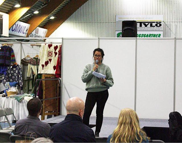 Amanda fra Be:Eco holder foredrag i Ekeberghallen, om DIY fra et miljøvennlig perspektiv