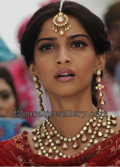 Sonam Kapoor In Polki Jewelry Jewellery Designs