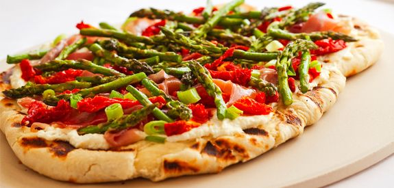 How to Make Grilled Asparagus Sun Dried Tomato and Prosciutto Pizza