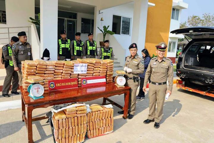Двух женщин с 300 килограммами марихуаны задержали в Таиланде в результате автомобильной погони — Thai Notes