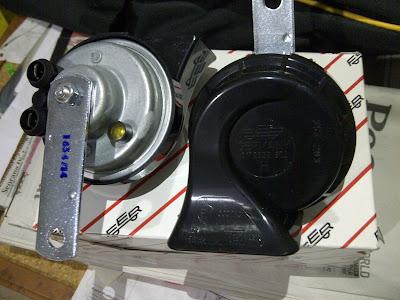 cara memperbaiki klakson keong yang tidak bunyi - penyebab klakson motor lemah - cara bongkar klakson motor - klakson motor kadang bunyi kadang tidak - cara memperbaiki klakson hella - relay klakson bunyi cetek - baut platina klakson motor - klakson keong mati sebelah
