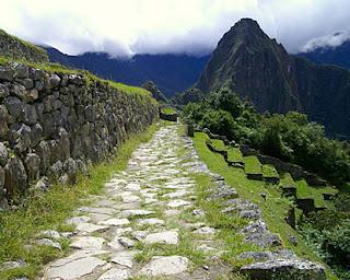 La Red de Caminos o Longitudinales Incas