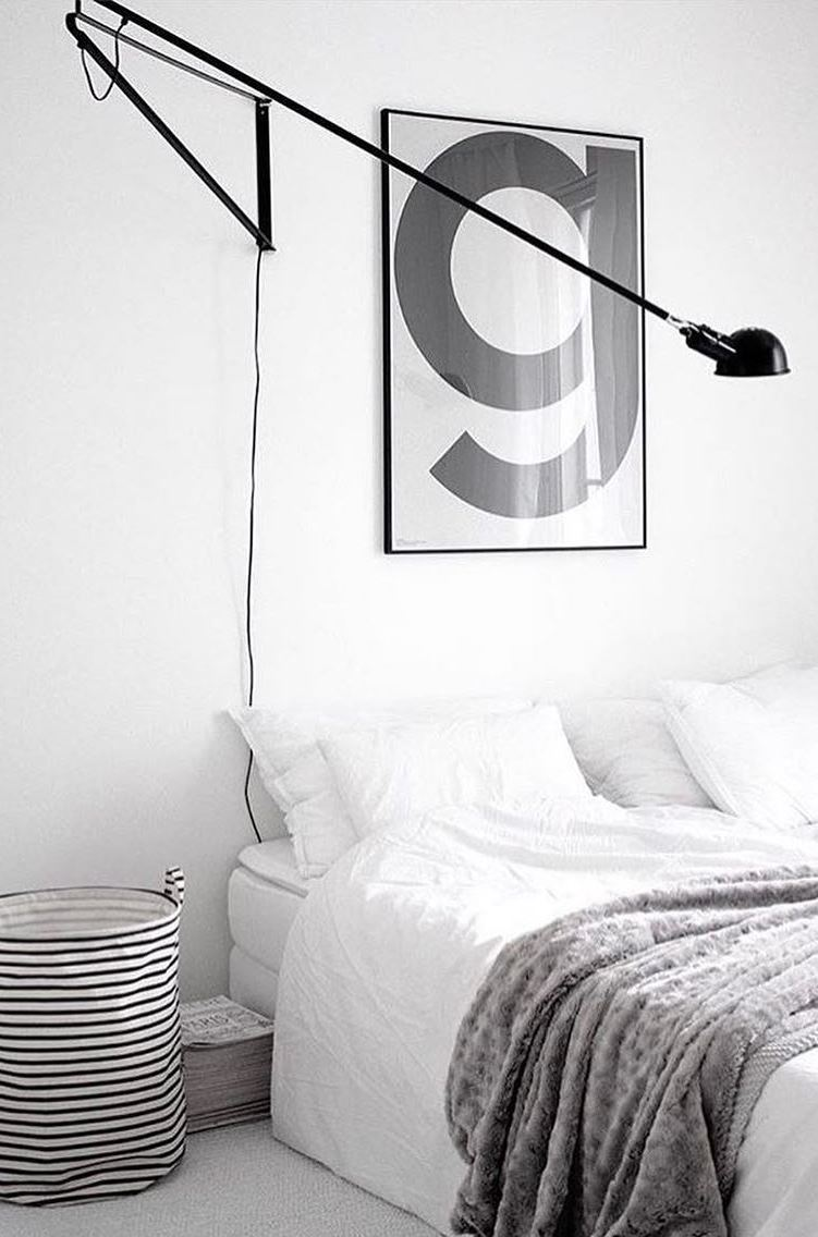 black and white bedrom decor idea