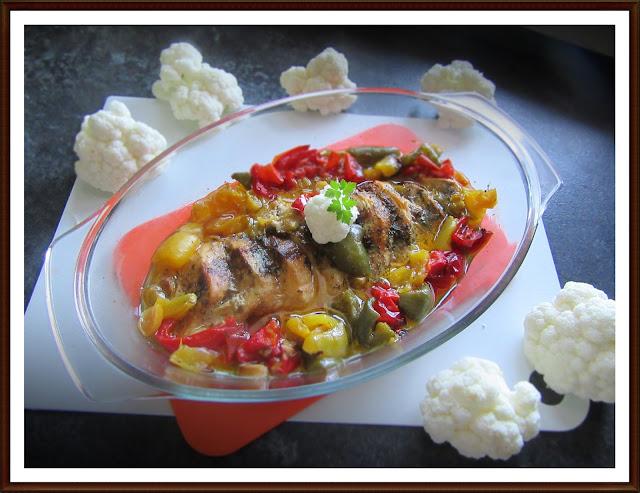 Filet z Kurczaka Zapiekany z Papryką i Porem