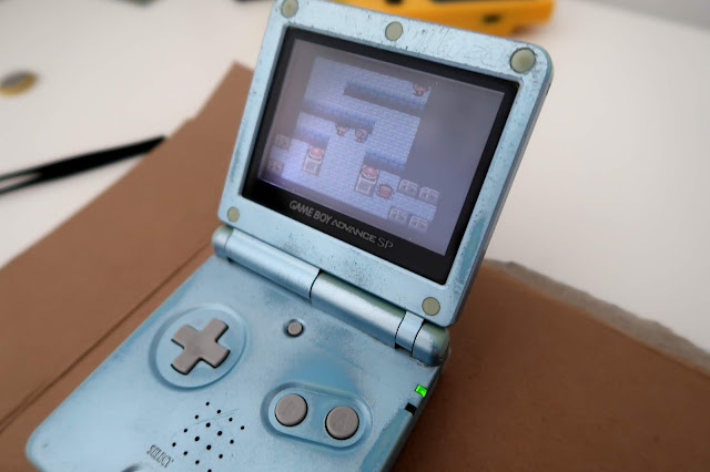 How to replace a Gameboy cartridge battery without losing saved data - GameBoy Advance Sp
