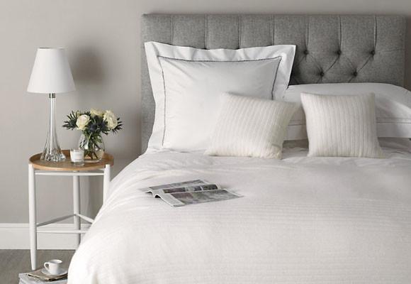 Quartos modernos cinza decora o e ideias - Como decorar una pared blanca ...