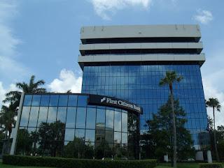 Bancos y oficinas