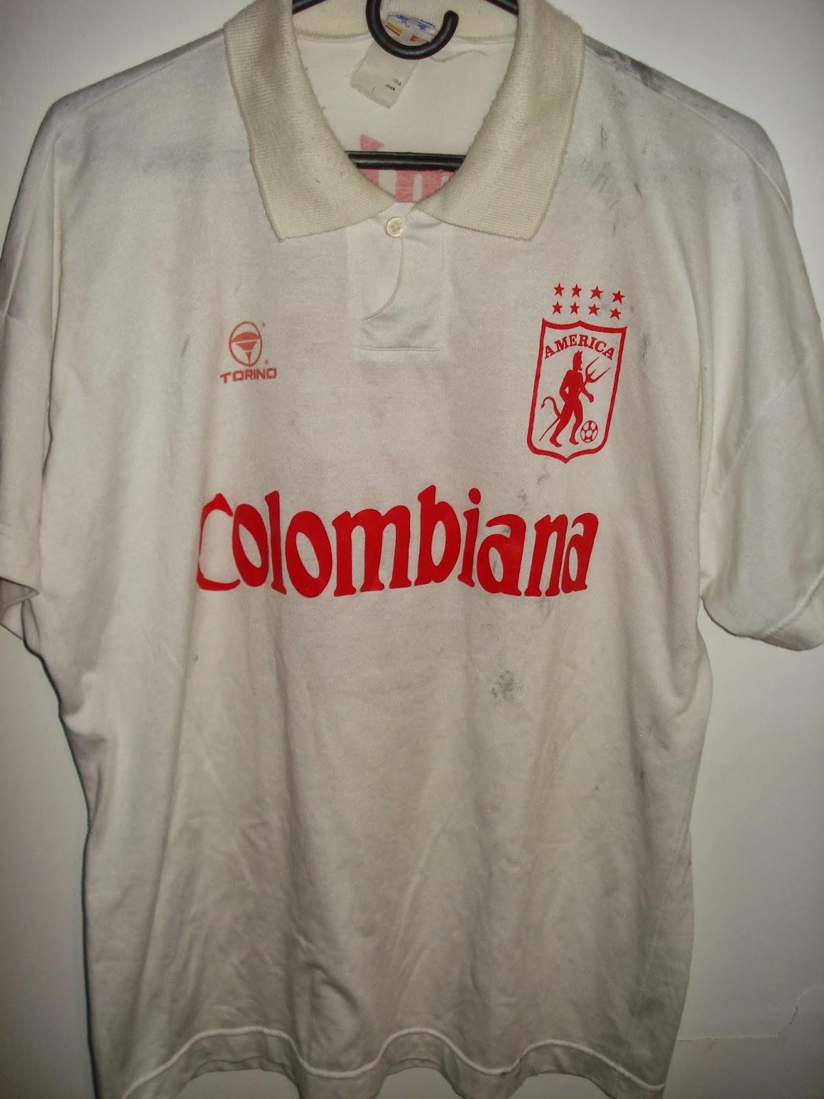d74401a040f2c La Mirada De Un Coleccionista   Casacas del fútbol colombiano