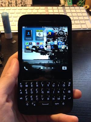 blackberry q5 in hand example