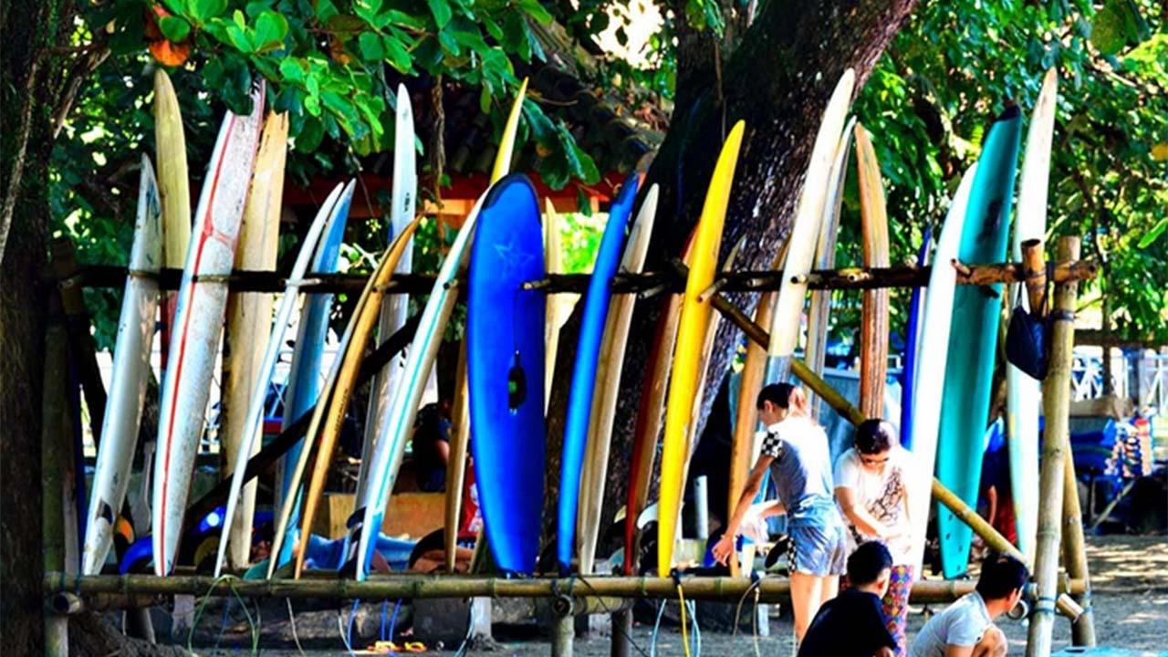 Pantai Batu Karas Tempat Surfing Yang Indah