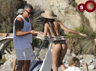 Emily+Ratajkowski+in+thongs+candids+Sexy+Smooth+small+Naked+Ass+July+2018+%7E+CelebsNext.xyz+Exclusive+Celebrity+Pics+06.jpg
