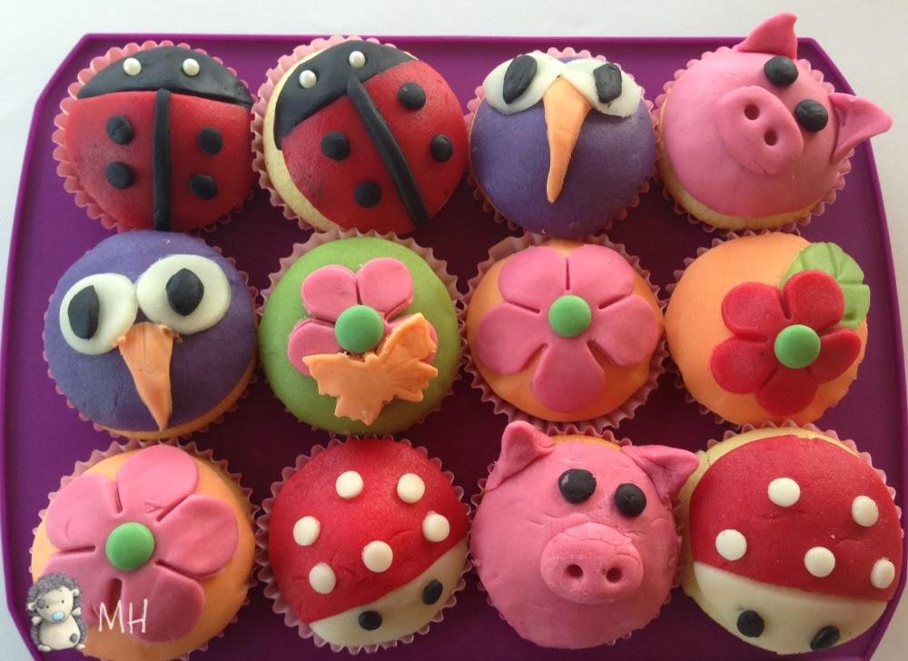 Cupcake con fondant de colores