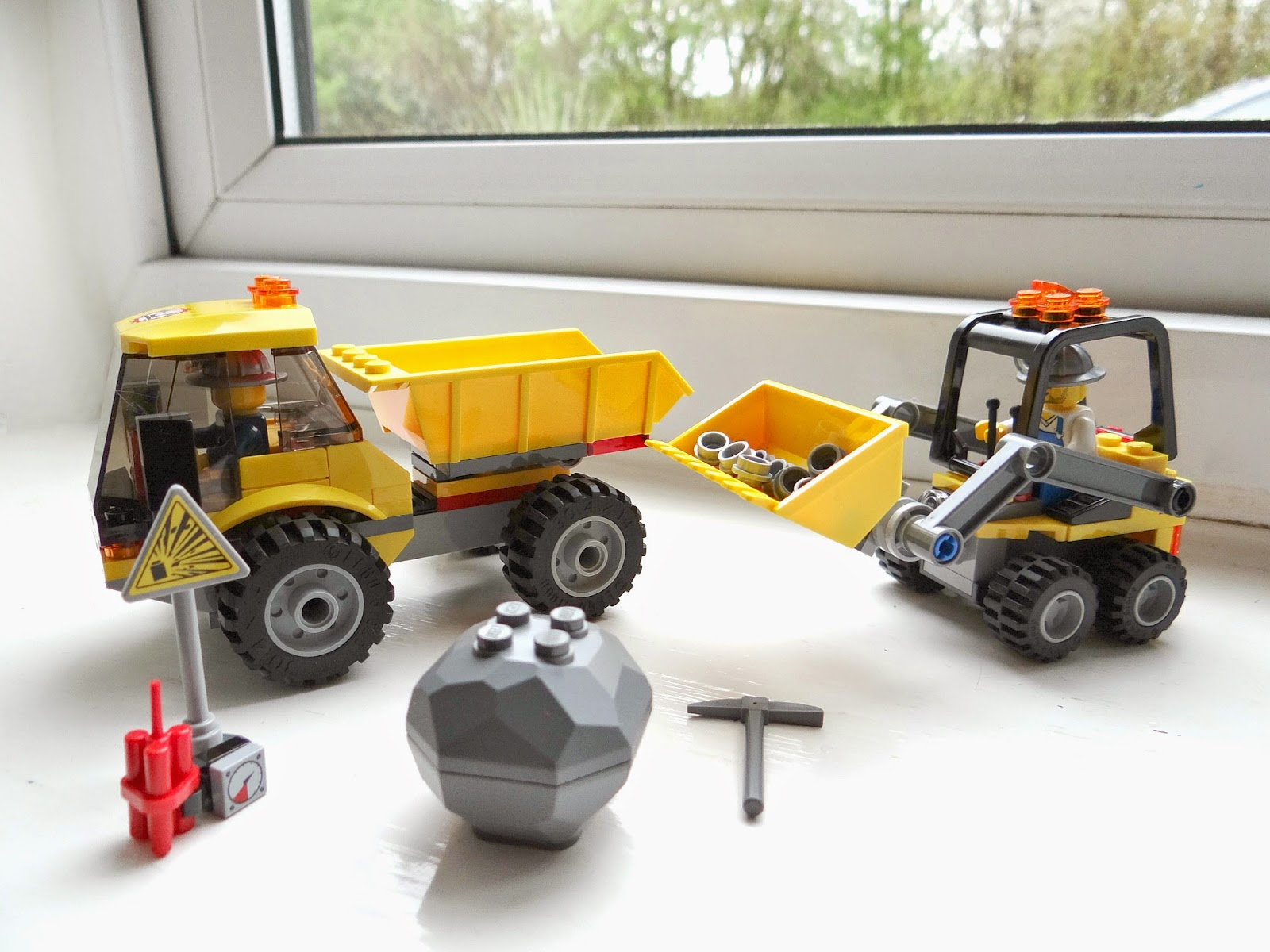 LEGO City, LEGO City Loader and Tipper, LEGO City Excavator Transport