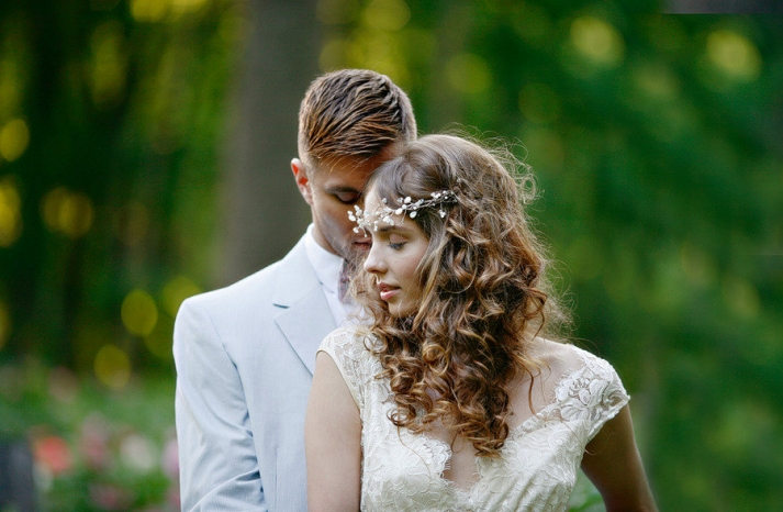 Romantic Hairstyles For Wedding: Glambox:Beautiful Make~up Is Our Hallmark!: Romantic