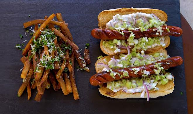 Hot-dog et frites à l'ail