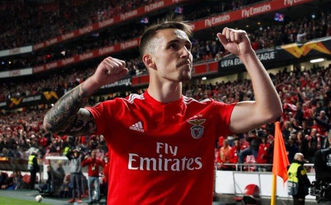 Blogs Benfica Grimaldo assitiu para o golo de Seferovic