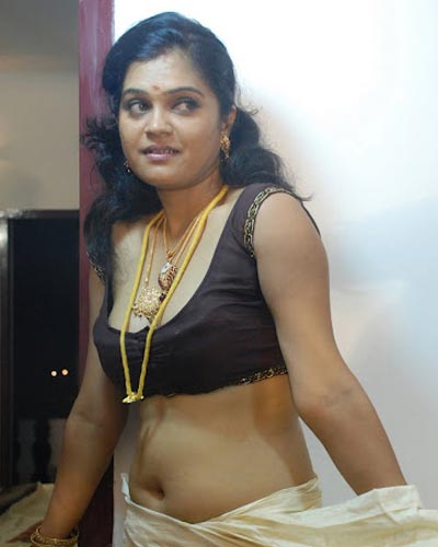 Tamil Actress Wallpapers: Desi Aunty And Uncle Hot