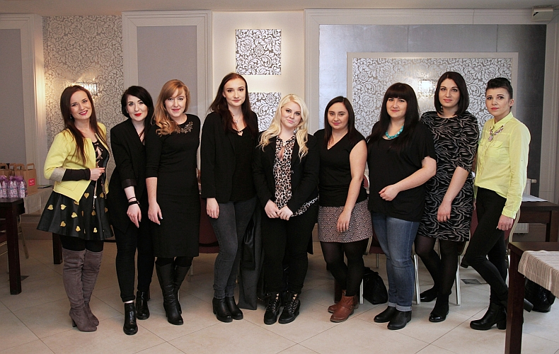 Od lewej : Wioletta, Magda, Kasia, Ja- Monika , Magdalena, Milena, Marzena, Magdalena, Marta