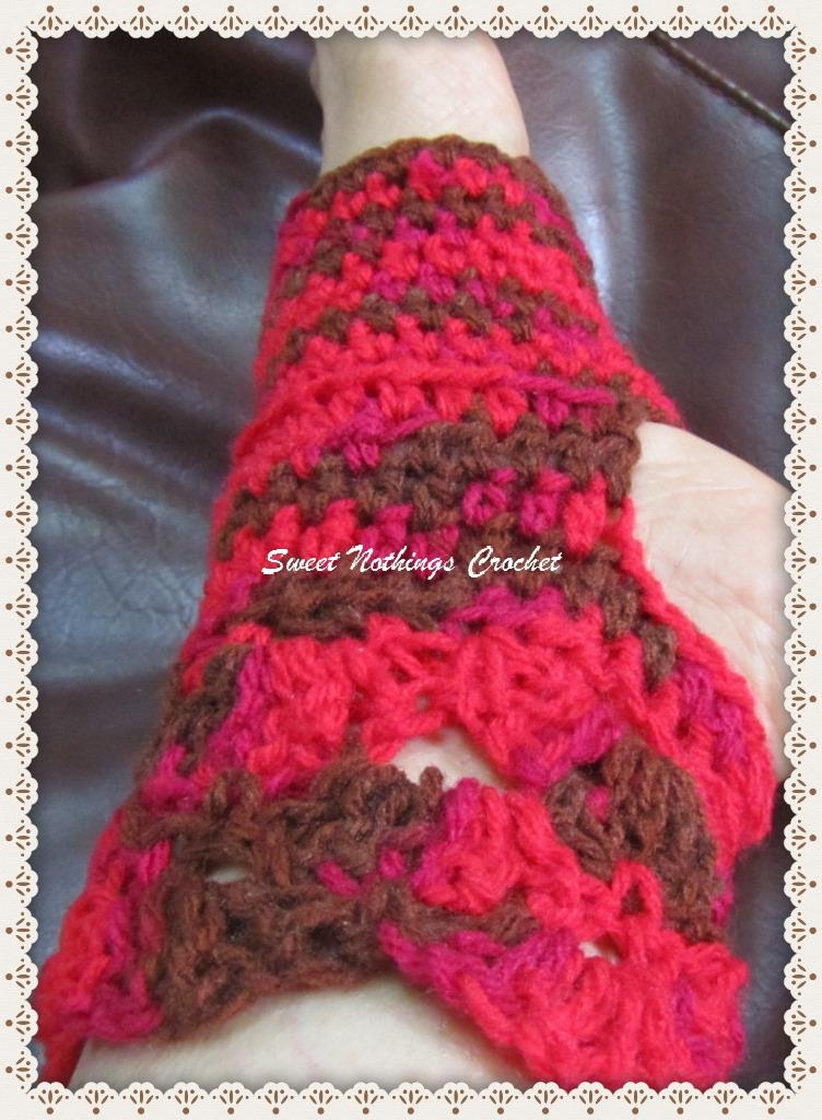 Free Pattern Crochet Yoga Socks : Sweet Nothings Crochet: EM s YOGA SOCKS