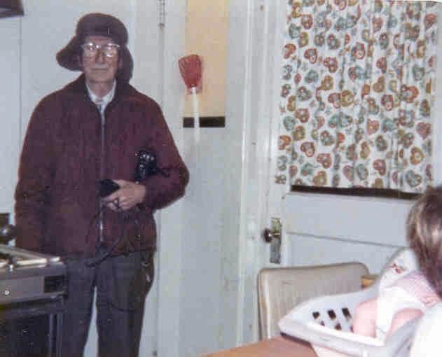 Tell Grandpa's Life Story & Create Grandpa's Memory Book