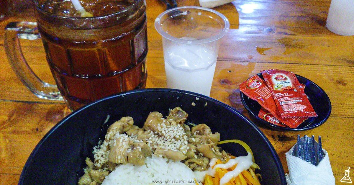 Mie Merapi, Tempat Makan Enak & Penuh Kejutan Untuk Buka Puasa di Bandung