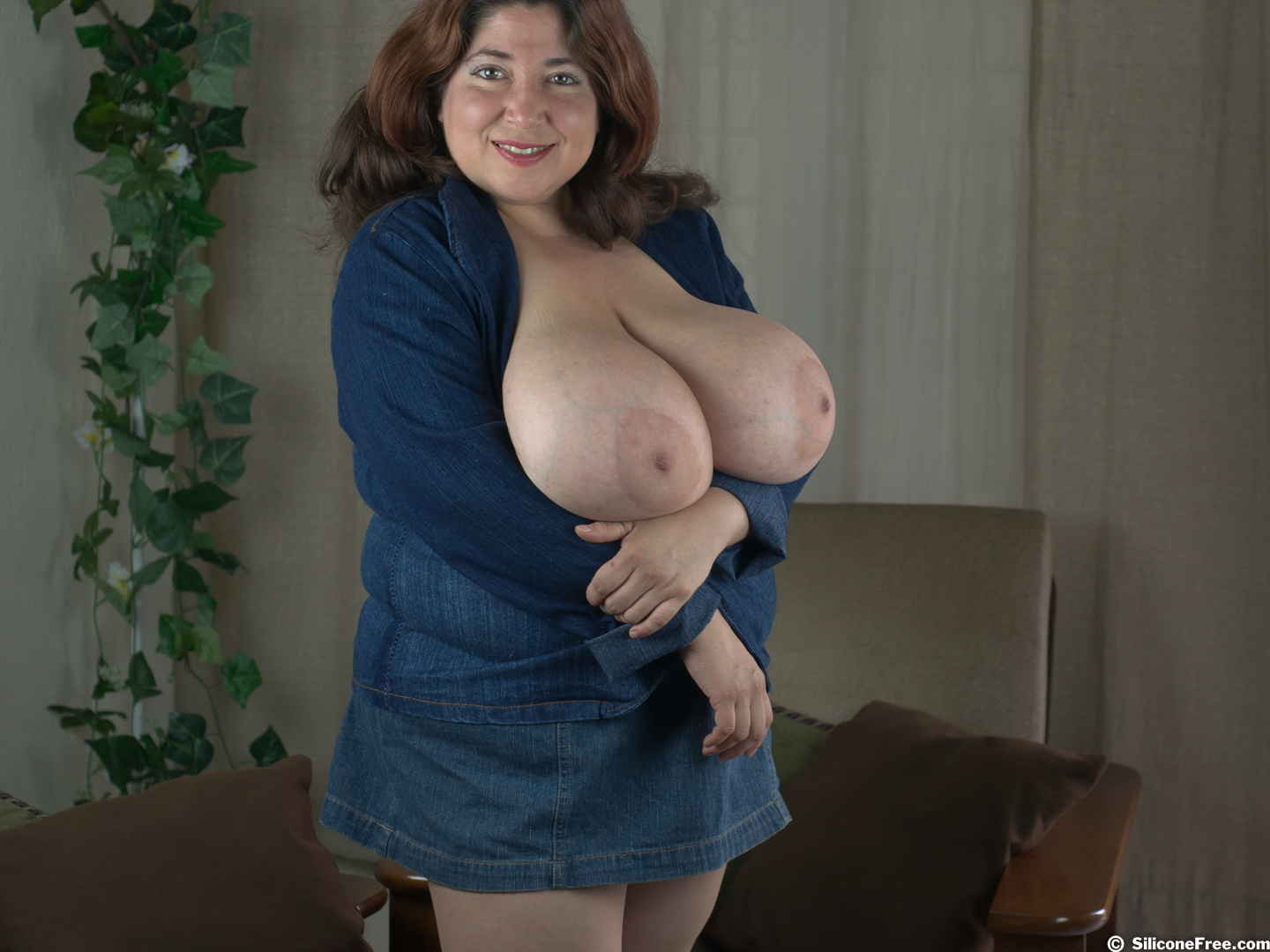Pictures mature big boobs 11 Middle