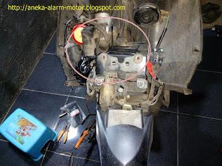 Cara pasang alarm motor remote pada Honda Vario CW